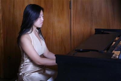 Crystal Lam piano instructor